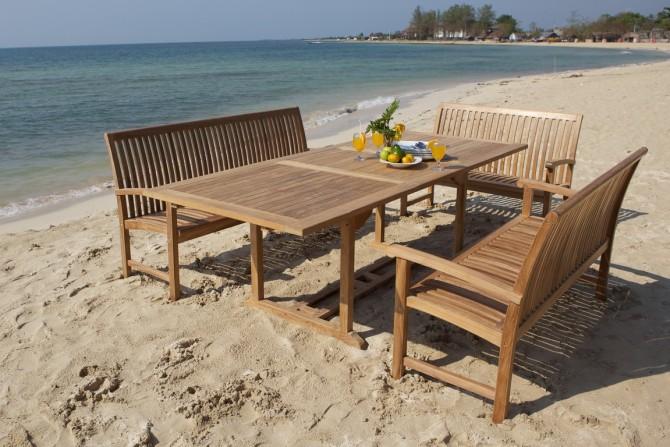 Teak Sitzbank Set am Strand
