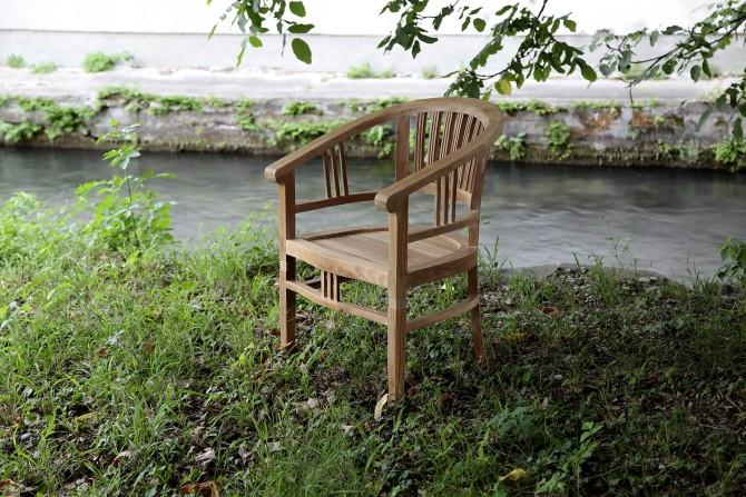 Massivholz Stuhl mit Armlehnen