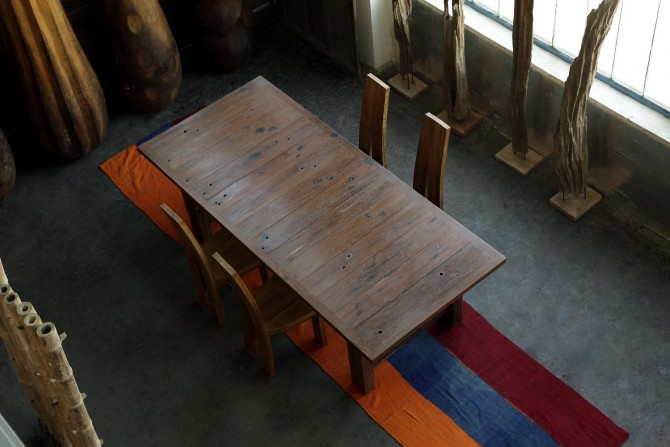 Tisch Iron