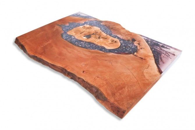 epoxy,harz.epoksidharz,kunstharz,vollholz,nachmass,massivholzmöbel,tische,mahagoniholz