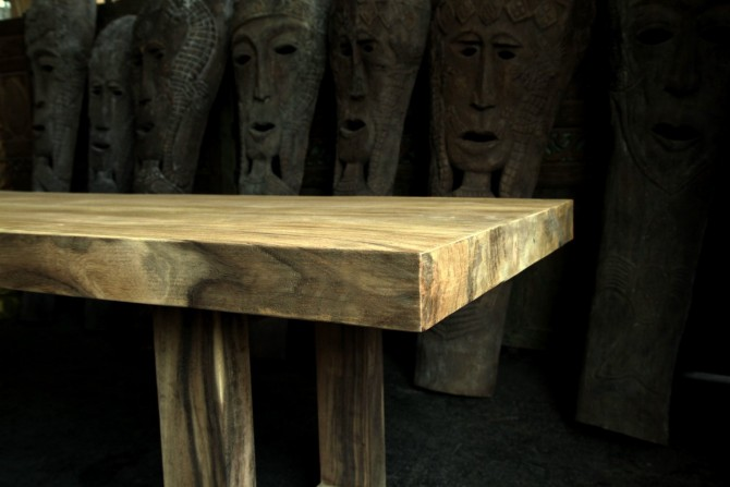 Blockholz aus einem Baumstamm