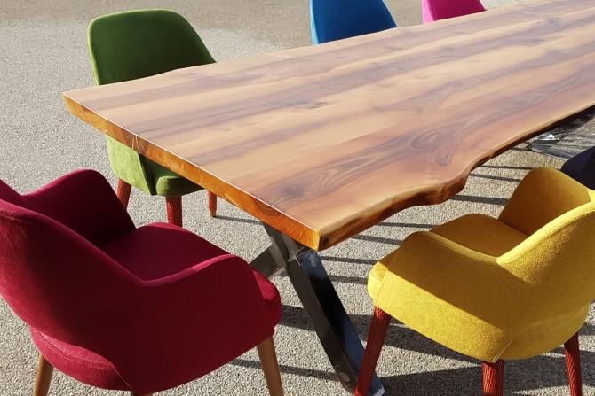 tisch aus walnussholz